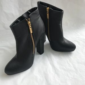 Ladies Express zip Black ankle Heeled Boots Size 8
